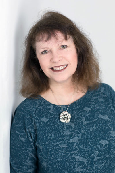 Lesley Eames - book author